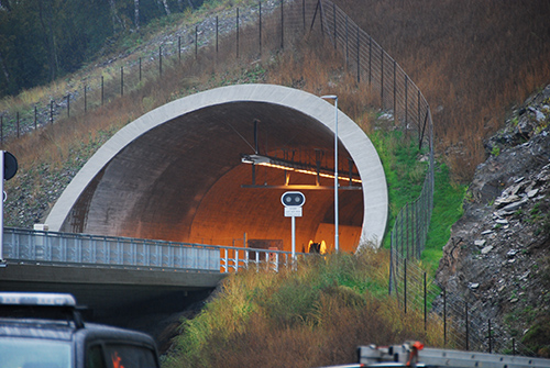 Tunnel Management: Providing High Bandwidth and Power for IP Surveillance Cameras